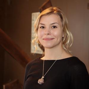 Shyla Davis - CA Licensed Massage Therapist
